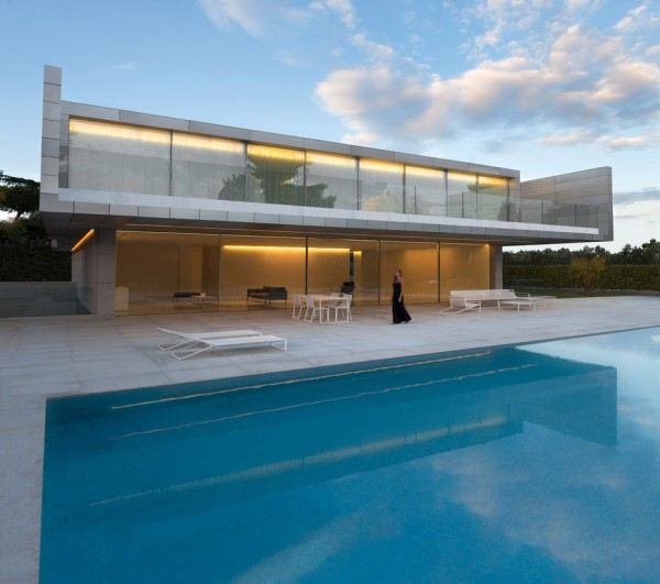 aluminium-house-fran-silvestre-livinghomelifestyle