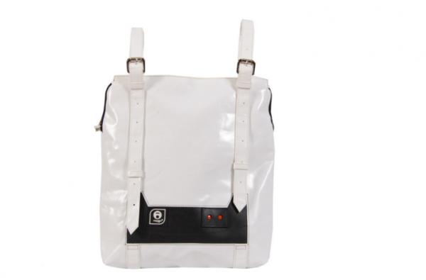 backpack-livinghomelifestyle