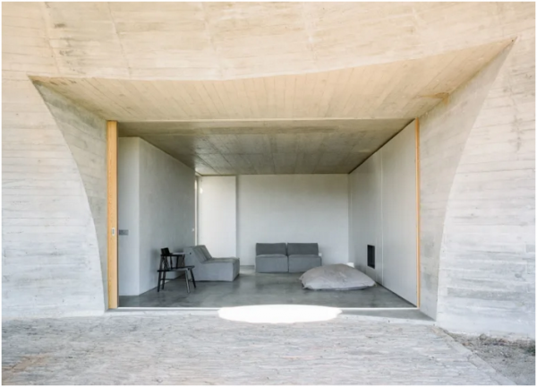 house-in-monsaraz_aires-mateus_00001-livinghomelifestyle