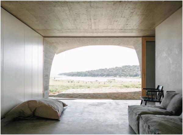 house-in-monsaraz_aires-mateus_00002-livinghomelifestyle